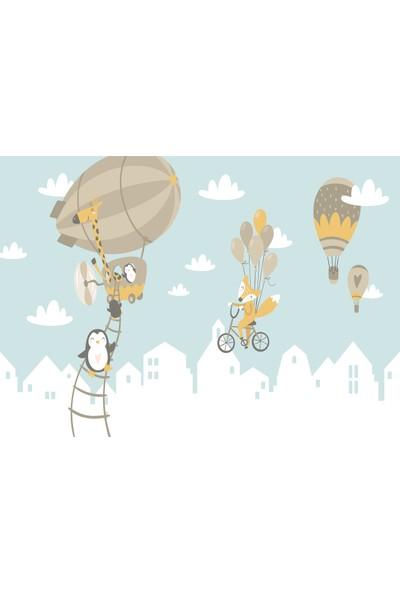 Yoyko Gökyüzündeki Balonlar ve Sevimli Hayvanlar Çocuk Odası Halısı