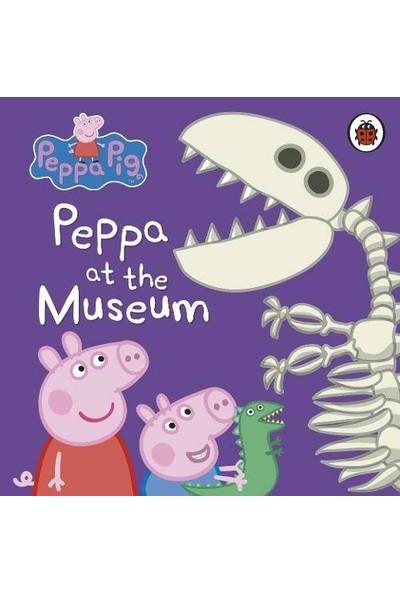 Peppa Pig: Peppa At The Museum - Peppa Pig