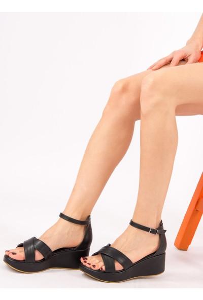 Fox Shoes Siyah Kadın Sandalet H820500109