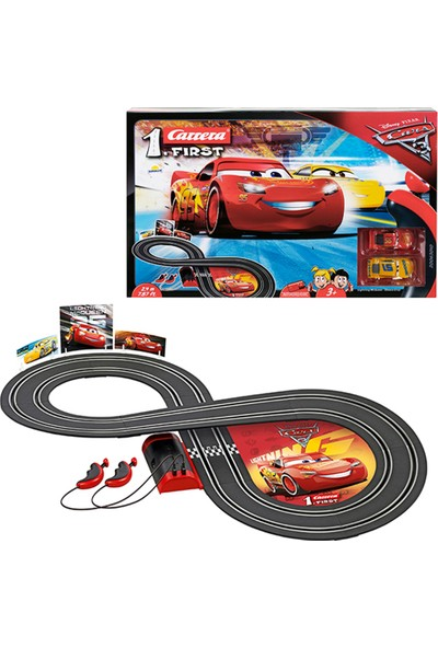 Carrera Cars 3 Şimşek McQueen vs Cruz Ramirez 240 cm Kumandalı Araba Yarış Pisti Oyun Seti