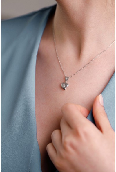 Mithra Jewelry Üç Boyutlu Kalp Papatya Figürlü Gümüş Kolye 925 Ayar