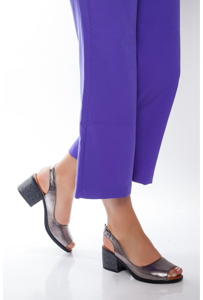 Deripabuc Hakiki Deri Platin Kadın Deri Sandalet Dp08-8007