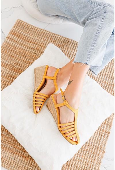 Limoya Sadie Hardal Süet Bantlı Alçak Dolgu Tabanlı Sandalet