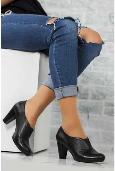 Deripabuc Hakiki Deri Siyah Kadın Topuklu Klasik Ayakkabı Trc-1072