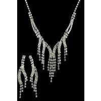 Aphrodite Accessories Kristal Kesme Taşlı Kolye Küpe Set
