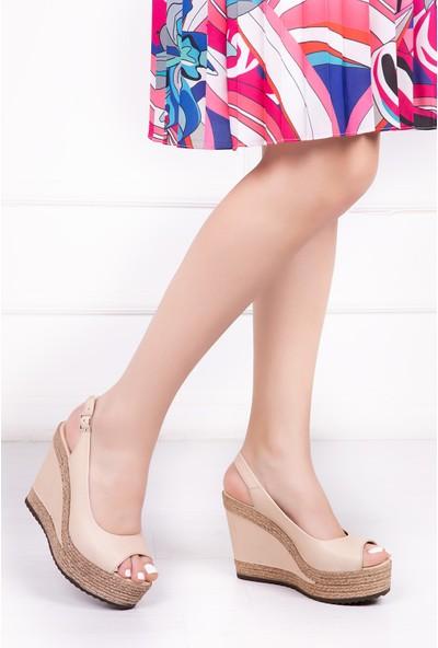 Tarçın Deri Günlük Bej Kadın Sandalet TRC142-0760