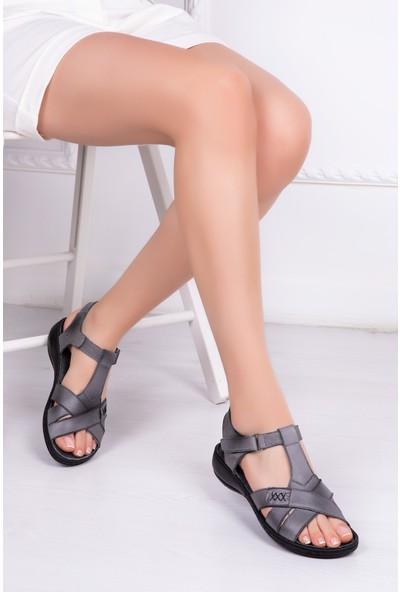 Tarçın Deri Günlük Gri Kadın Sandalet TRC119-0111