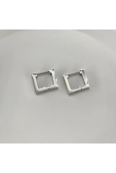Lily Takı ve Aksesuar Lily Takı Minimal Kare Gümüş Renk Çelik Küpe