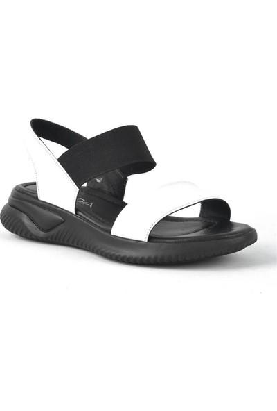 Moda Arena Siyah Beyaz Deri Lastikli Kalın Taban Kadın Sandalet