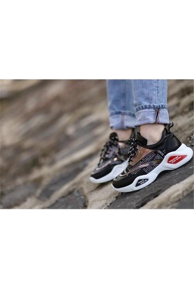Makro Siyah Cilt Yazılı Spor Ayakkabı