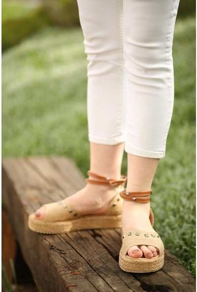 Makro Kalın Tabanlı Hasır Yazlık Kadın Sandalet