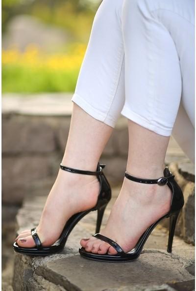 Makro Siyah Rugan Platform Topuk Tek Bantlı Kadın Ayakkabı