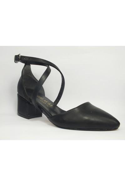Tria Siyah Cilt Çapraz Karnıyarık Kadın Ayakkabı 01050136