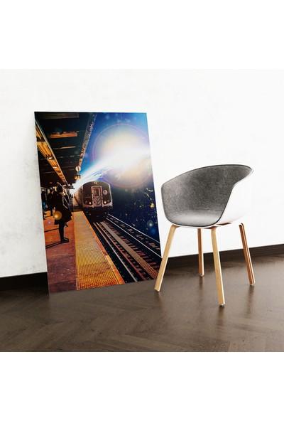 Dekoliya Uzay İnsan Temalı Kanvas Tablo 30 x 45 cm