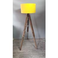 Homedit Loft Tasarım Tripod Lambader Köşe Lambası Abajur Sarı Başlık / Ceviz Ayak