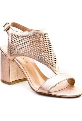 Cabani Tokalı Lazerli Günlük Kadın Ayakkabı Gülkurusu