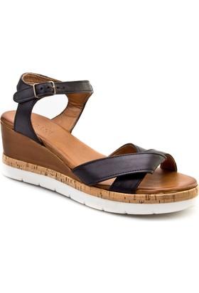 Cabani Tokalı Dolgu Topuk Günlük Kadın Sandalet Siyah Deri