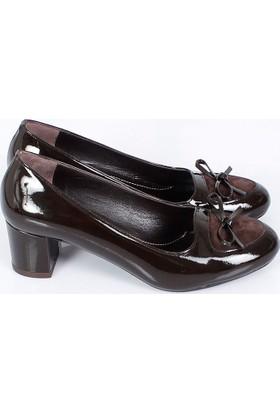 Bertoni Kahverengi Rugan Fiyonklu Kalın Topuk Kadın Ayakkabı 453