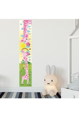 DekorLoft Anne ve Yavru Zürafa Boy Ölçer Sticker DBC03 Pembe