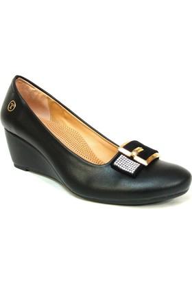Topuz 048 Siyah Deri Dolgu Topuk Bayan Ayakkabı