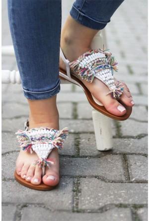 İnce Topuk Boncuklu Sandalet