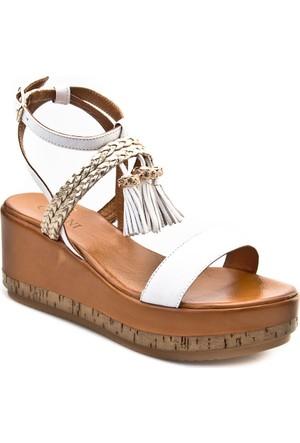 Cabani Dolgu Topuk Küpeli Günlük Kadın Sandalet Beyaz Deri