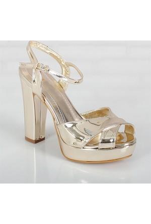 Monetta Altın Rugan Platform Topuklu Kadın Ayakkabı 130