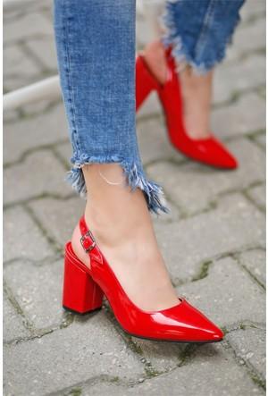 İnce Topuk Topuklu Sandalet Kırmızı