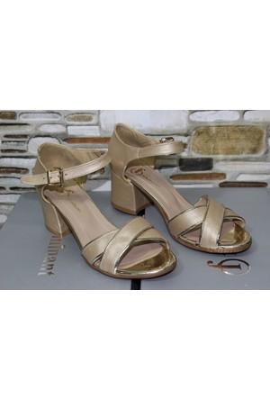 Feminant Altın Çapraz Sandalet