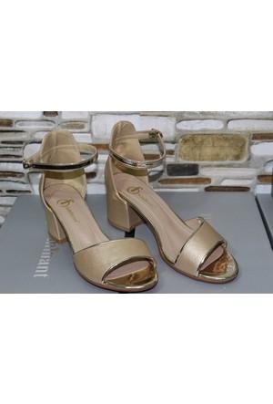 Feminant Altın Sandalet