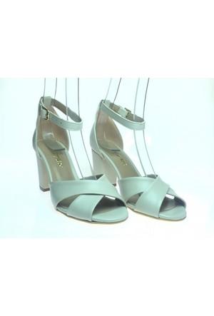 Altuğ 163 Kadın Alçak Topuklu Ayakkabı Krem