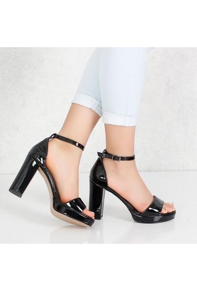 Bono Siyah Rugan Kalın Topuklu Kadın Ayakkabı 010