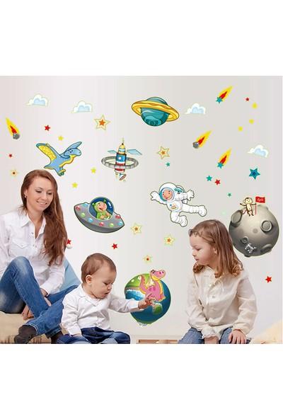 Erkek Çocuk Odası Dekorasyonu Karanlıkta Parlayan Fosforlu Uzay Kendinden Yapışkanlı PVC Sticker