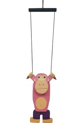 Ormanca Ahşap Tırmanan Maymun