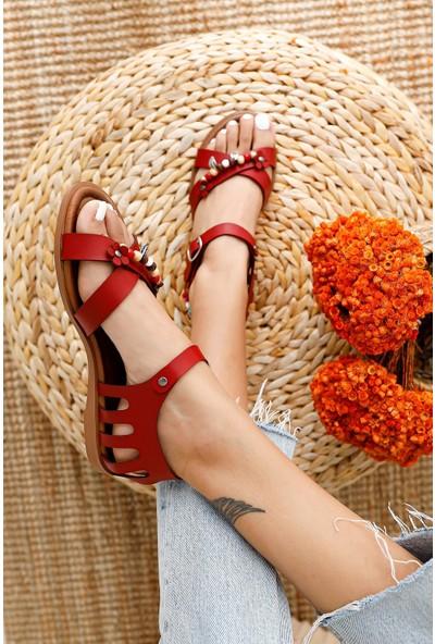 Limoya Alize Kırmızı Hakiki Deri Boncuk ve Yaprak Detaylı Sandalet