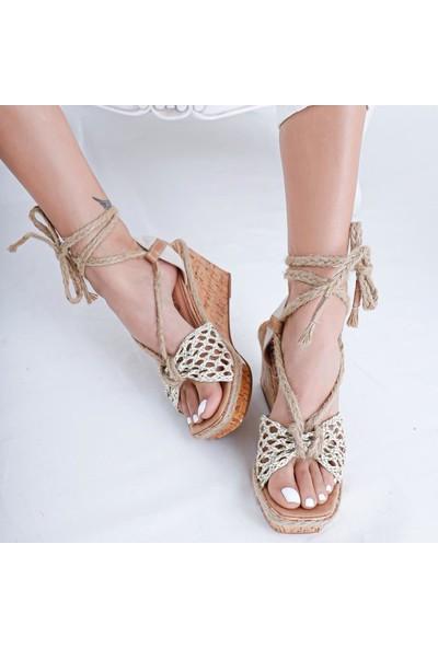 Limoya Rebecca Ten Örgü Bantlı Hasır Bağlamalı Dolgu Topuklu Sandalet