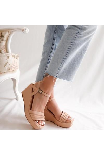 Limoya Corinne Nud Pileli Bantlı Dolgu Topuklu Bilekten Ayarlanabilir Sandalet
