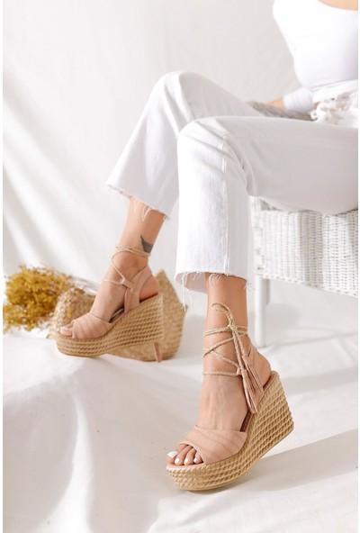 Limoya Ivory Nude Rengi Kroko Bilekten Bağlamalı Dolgu Topuk Sandalet ( Hasır İpli )