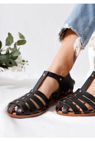 Limoya Tori Siyah Hakiki Deri Dört Bantlı Ayarlanabilir Düz Sandalet