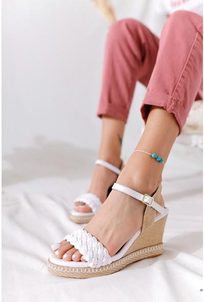 Limoya Madyson Beyaz Örgü Bantlı Hasır Dolgu Topuklu Sandalet