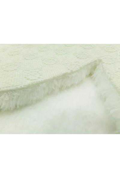 Balat Halı Dekoratif Beyaz Peluş Yumuşak Papatya Desen Halı