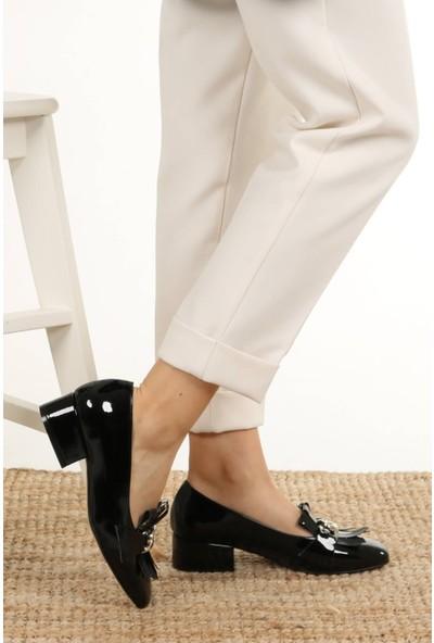Mio Gusto Lottie Siyah Rugan Kısa Topuklu Ayakkabı