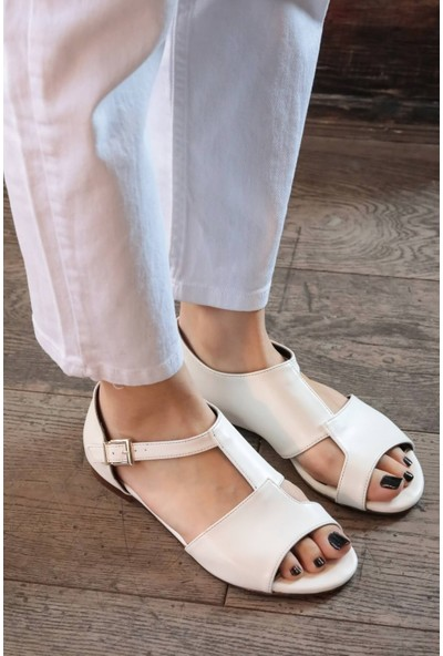 Mio Gusto Maria Beyaz Damalı Sandalet
