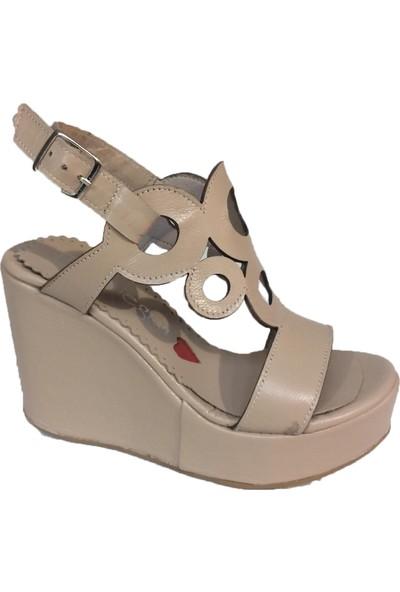 Elegan Küçük Büyük Numara Bej Deri Şık Dolgu Topuk Ayakkabı