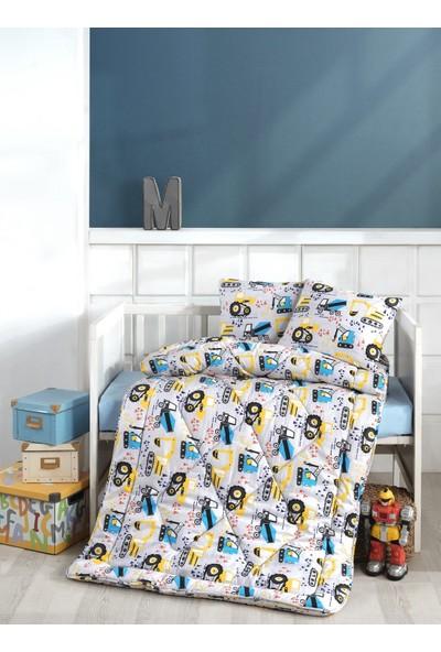 Kendinden Desenli Bebek Yorganı + Yastık Kılıfı