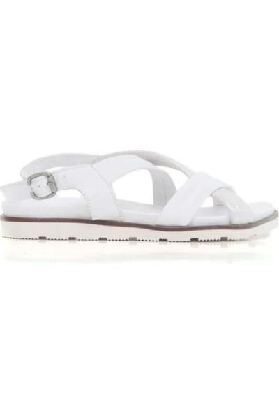 Bueno Shoes Çapraz Şeritli Hakiki Deri Kadın Düz Sandalet 9N1708