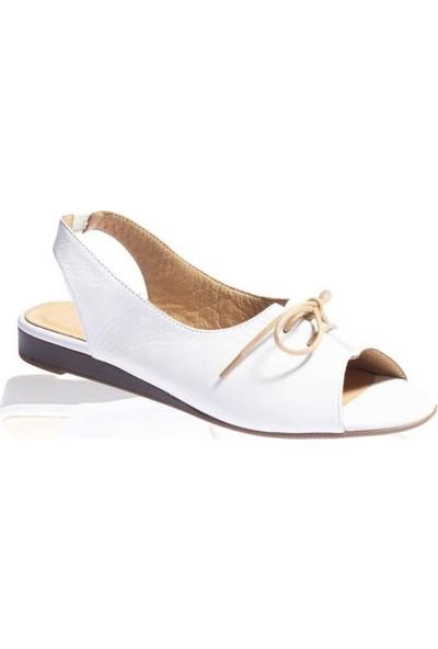 Bueno Shoes Bağcıklı Hakiki Deri Kadın Düz Sandalet 9N1906