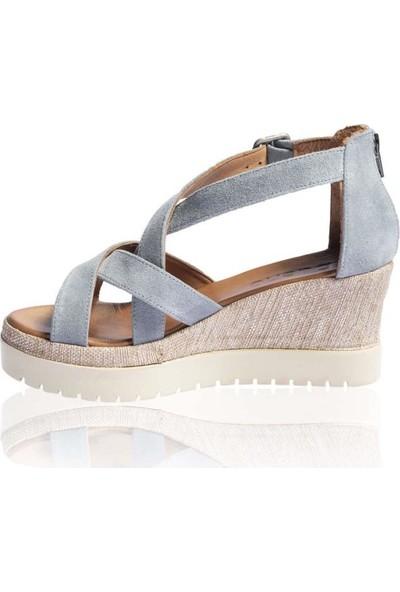 Bueno Shoes Kemerli Hakiki Deri Kadın Dolgu Topuk Sandalet 9N3504