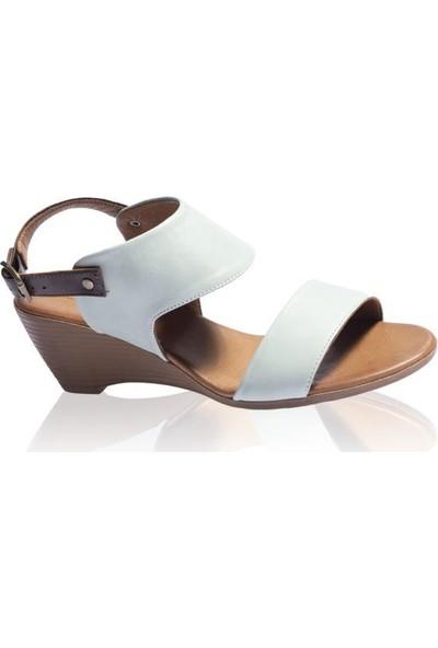 Bueno Shoes Şeritli Hakiki Deri Kadın Dolgu Topuk Sandalet 9N3700