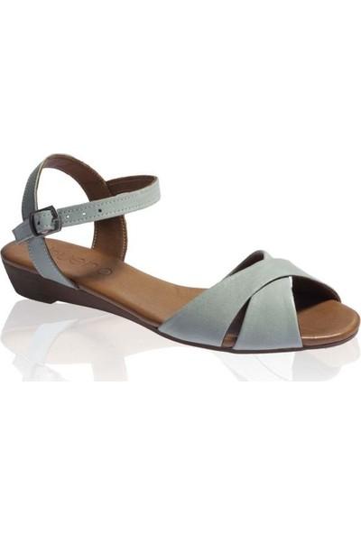 Bueno Shoes Çapraz Desenli Hakiki Deri Kadın Düz Sandalet 9N3808